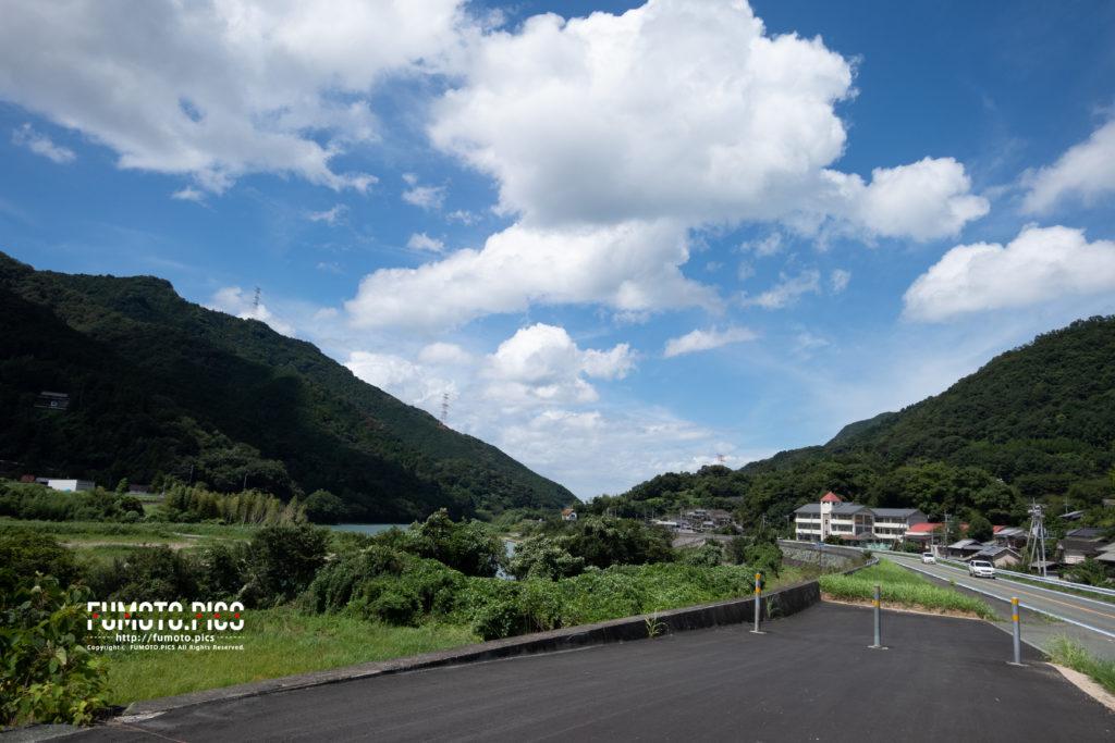 RX0M2で撮った田舎の道路