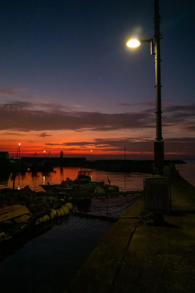 夕闇の漁港