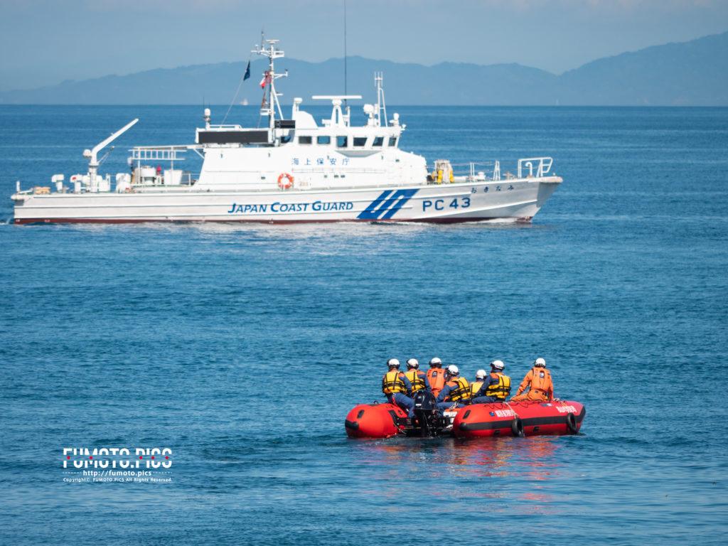 おきなみと救助隊のボート
