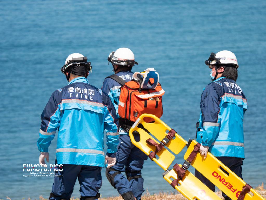 重装備の救急隊