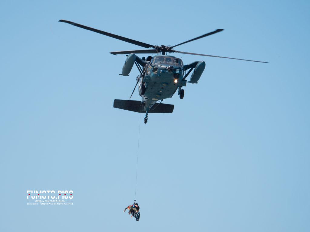 UH-60J 救難ヘリコプター訓練の様子